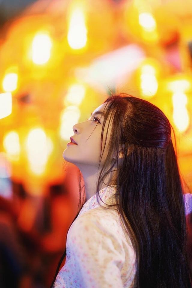 Miss Teen Nam Phương đẹp rạng ngời dạo phố mùa Trung thu - 5