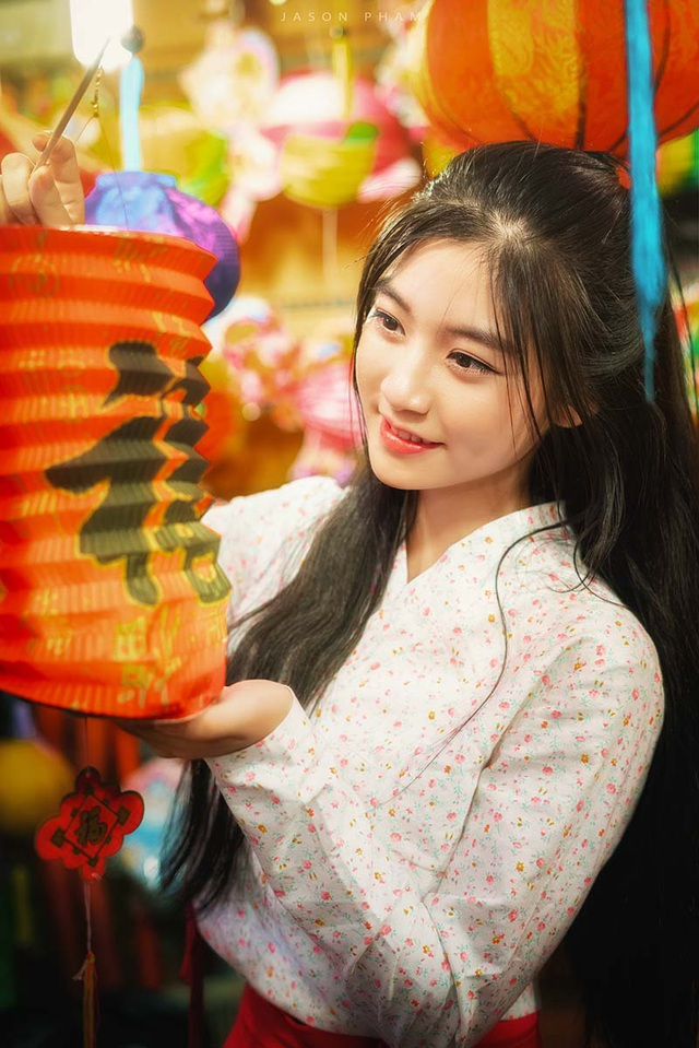 Miss Teen Nam Phương đẹp rạng ngời dạo phố mùa Trung thu - 8