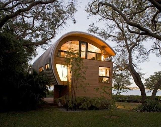 Ngôi nhà lơ lửng giữa rừng cây có view nhìn ra hồ tuyệt đẹp - 1