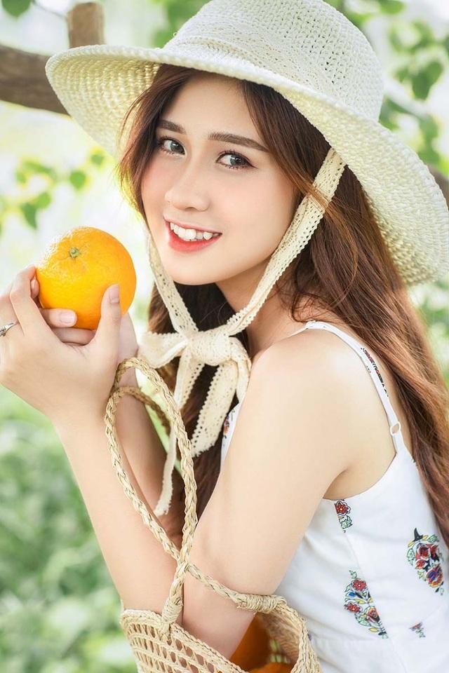 Thiếu nữ Hà thành sở hữu nụ cười răng khểnh duyên dáng - 1