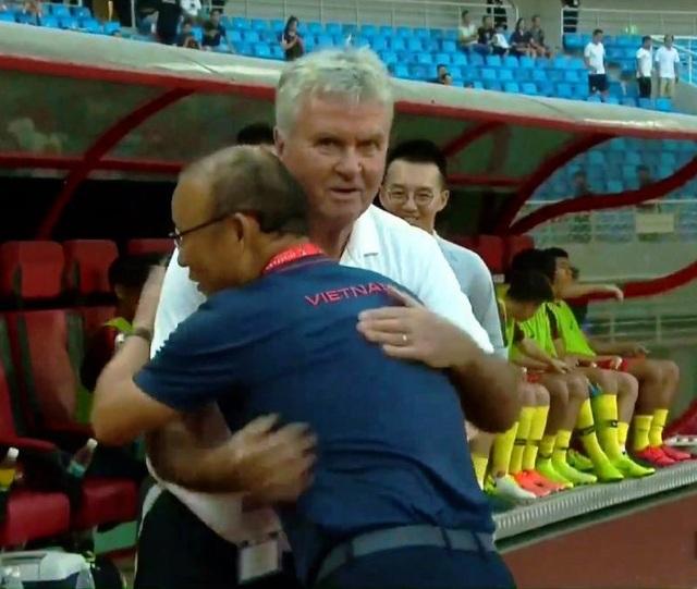 """HLV Guus Hiddink: """"Trận thua U22 Việt Nam giúp chúng tôi học được nhiều điều"""" - 1"""