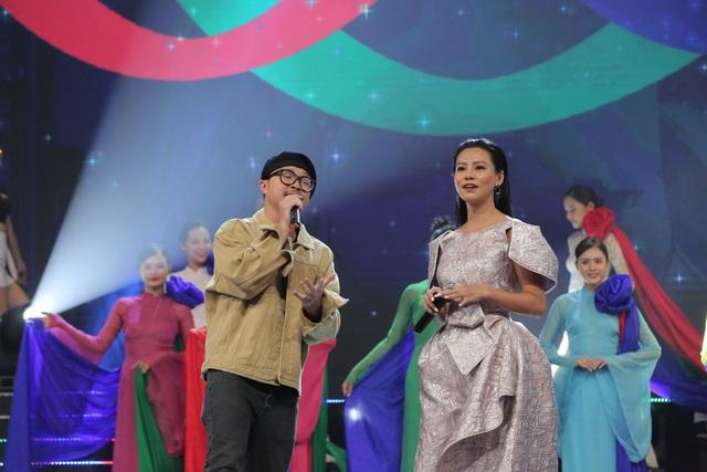 NSND Trung Anh bối rối, Bảo Thanh bật khóc khi nhận giải Diễn viên ấn tượng - 13