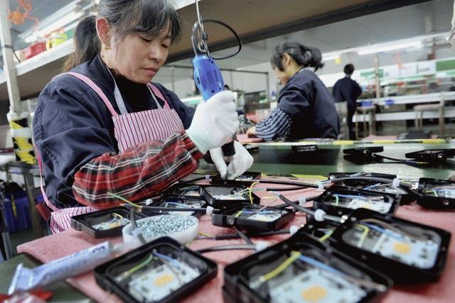 Thương chiến căng thẳng, xuất khẩu của Trung Quốc giảm mạnh - 1