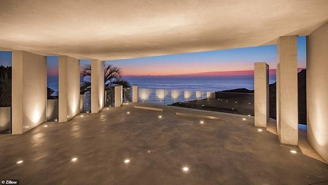 Vẻ đẹp của biệt thự 21 triệu USD nằm bên vách núi trông ra Thái Bình Dương - 18