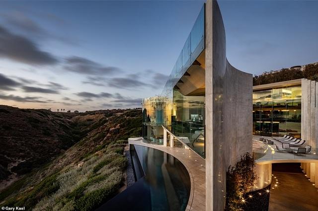 Vẻ đẹp của biệt thự 21 triệu USD nằm bên vách núi trông ra Thái Bình Dương - 30