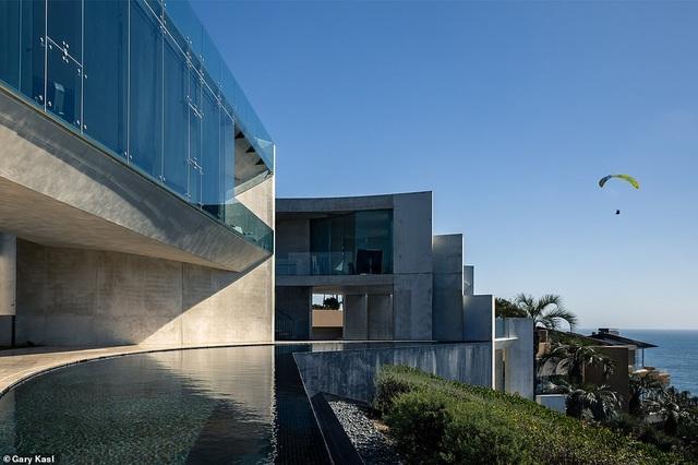 Vẻ đẹp của biệt thự 21 triệu USD nằm bên vách núi trông ra Thái Bình Dương - 31