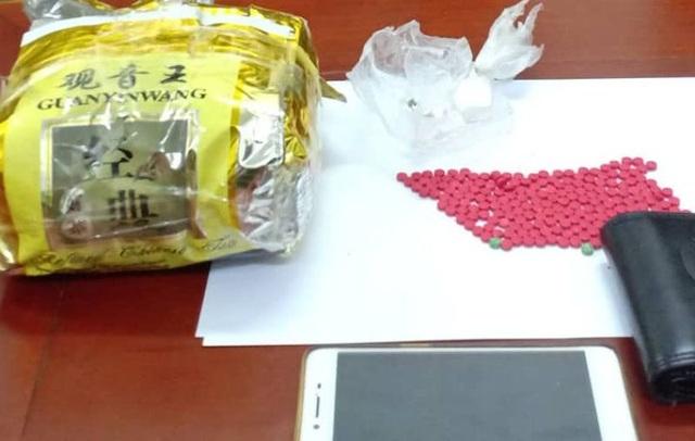 Đối tượng nhận vận chuyển 1kg ma túy với giá 20 triệu đồng - 2