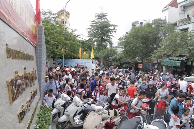 Vụ cháy Công ty bóng đèn phích nước Rạng Đông: Hơn 300 học sinh nghỉ học - 3
