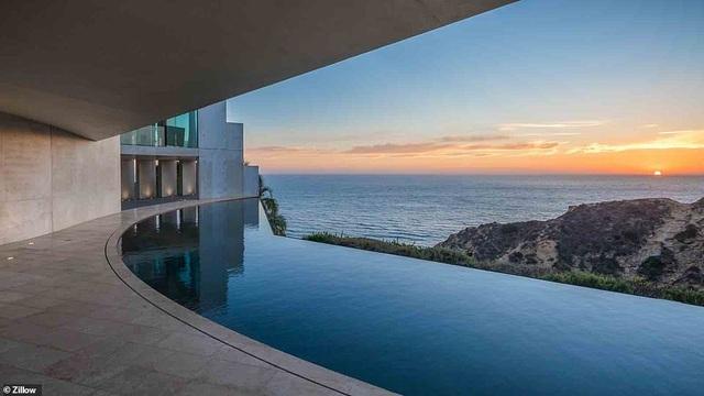 Vẻ đẹp của biệt thự 21 triệu USD nằm bên vách núi trông ra Thái Bình Dương - 10