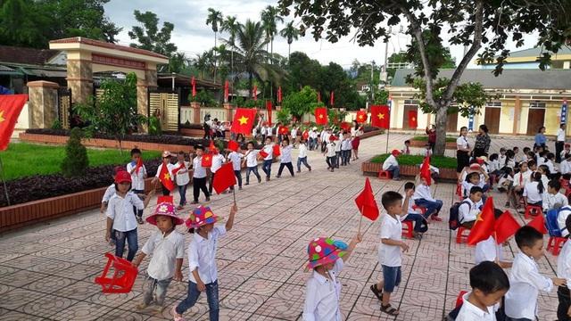 Hà Tĩnh: Nhiều trường học vùng lũ vẫn chưa thể khai giảng - 2