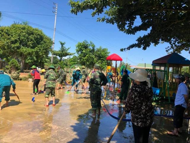 Hà Tĩnh: Nhiều trường học vùng lũ vẫn chưa thể khai giảng - 3