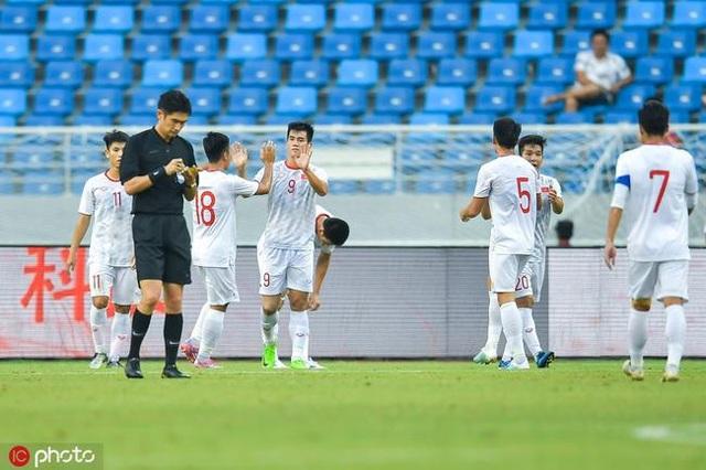 CĐV Trung Quốc thất vọng, chỉ trích thậm tệ đội nhà vì thua U22 Việt Nam - 1