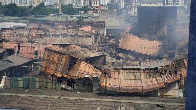 """Bị """"tố"""" gian dối và lấp liếm về vụ cháy, cổ phiếu Công ty Rạng Đông lao dốc mạnh - 1"""