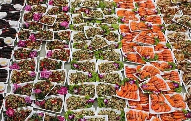 Bàn tiệc cưới hơn 1 nghìn con cua biển của người dân nông thôn Trung Quốc - 3