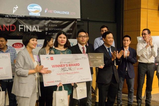 Dự án Medlink giành ngôi quán quân cuộc thi khởi nghiệp toàn cầu VietChallenge 2019 - 2
