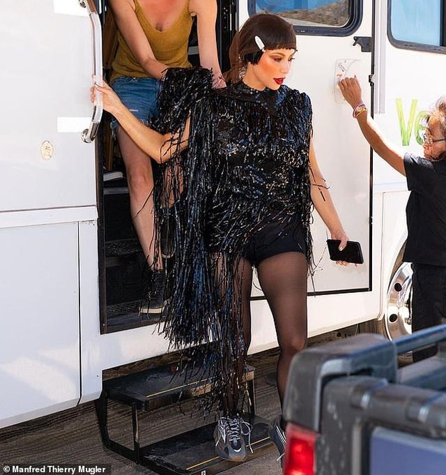 Kim siêu vòng ba hé lộ hậu trường buổi chụp hình - 8