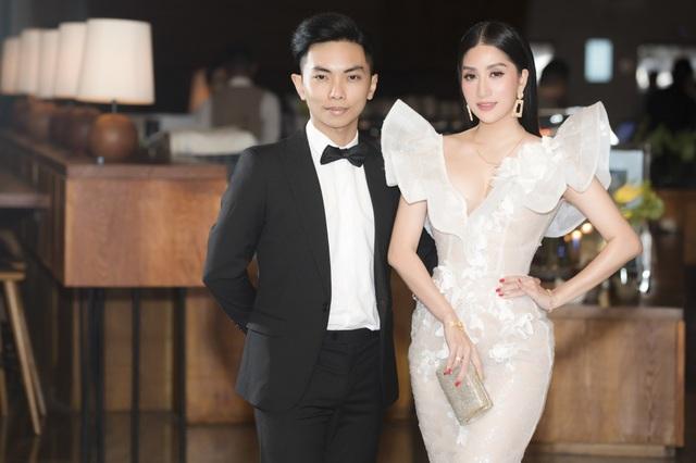 Vợ chồng Khánh Thi tình tứ dự đám cưới con gái đại gia Minh Nhựa - 14
