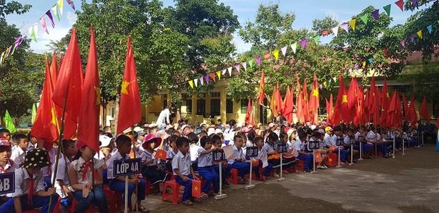 Ngày khai trường nhiều ý nghĩa của học sinh miền núi Quảng Trị - 2