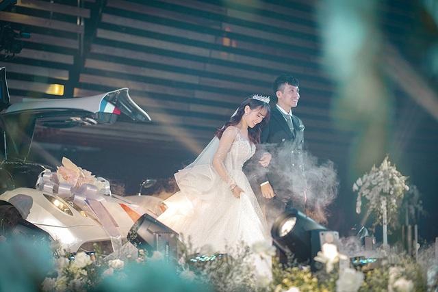 Trấn Thành, Ưng Hoàng Phúc, Tuấn Hưng... hội tụ trong đám cưới con gái Minh Nhựa - 7