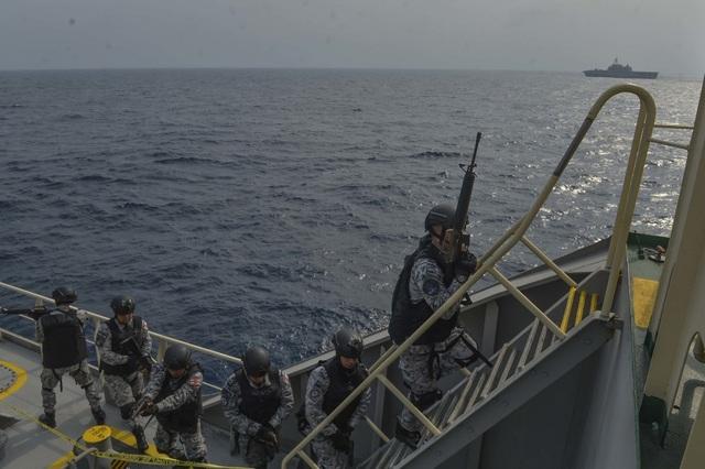 Khoảnh khắc ấn tượng trong cuộc diễn tập hàng hải Mỹ - ASEAN đầu tiên - Ảnh minh hoạ 14