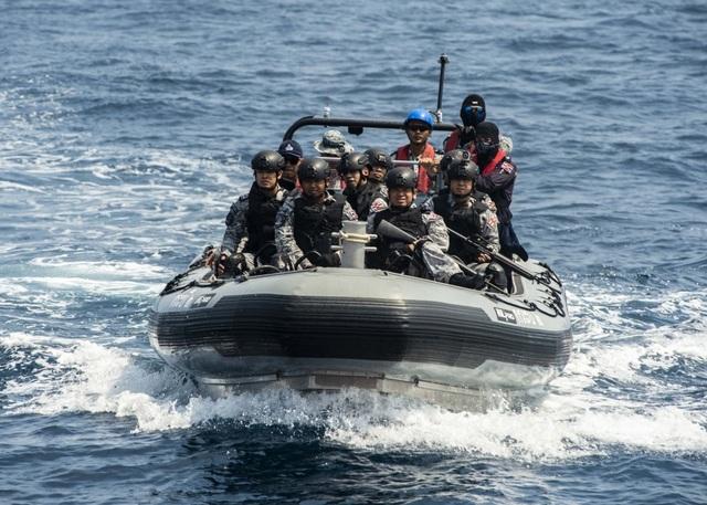 Khoảnh khắc ấn tượng trong cuộc diễn tập hàng hải Mỹ - ASEAN đầu tiên - Ảnh minh hoạ 6