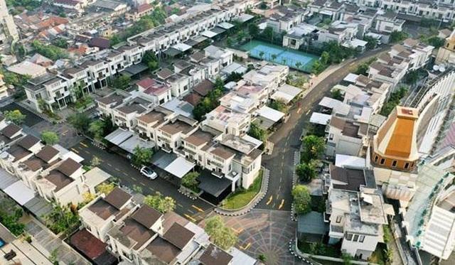 Ngỡ ngàng làng toàn biệt thự hơn 3 tỷ đồng, nhà nào cũng không chạm đất - 2