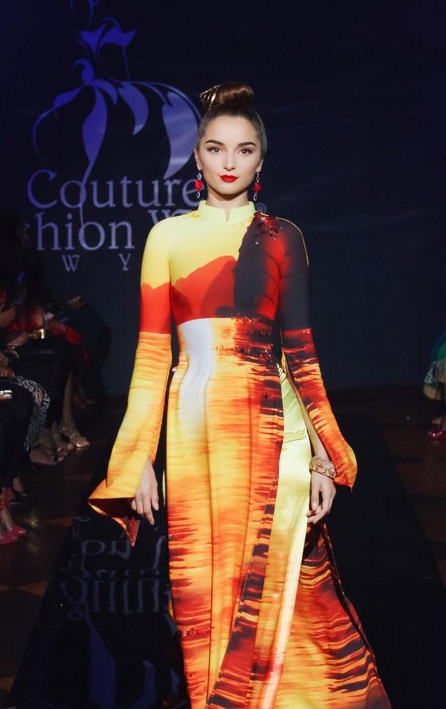 30 chiếc nón dát vàng cùng di sản Việt mở màn New York Couture Fashion Week - 3
