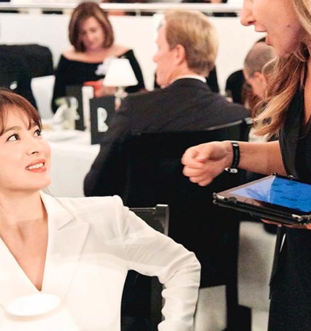 Vẻ đẹp không tì vết của Song Hye Kyo hậu ly hôn - 7
