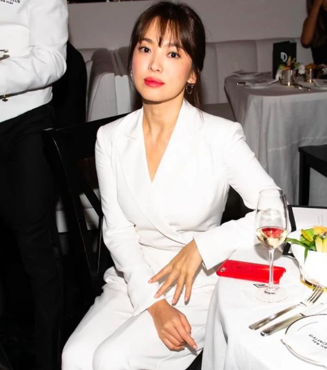 Vẻ đẹp không tì vết của Song Hye Kyo hậu ly hôn - 1