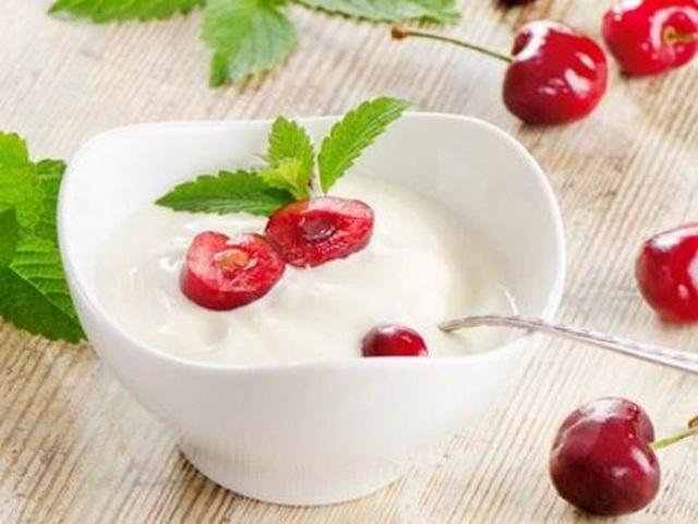 Có nên ăn sữa chua khi uống kháng sinh? - 1