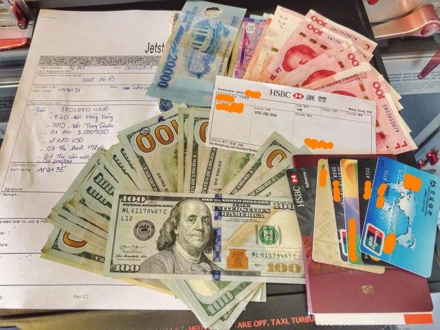 Khách nước ngoài quên 125 triệu đồng trên máy bay từ Hongkong về Hà Nội - 1