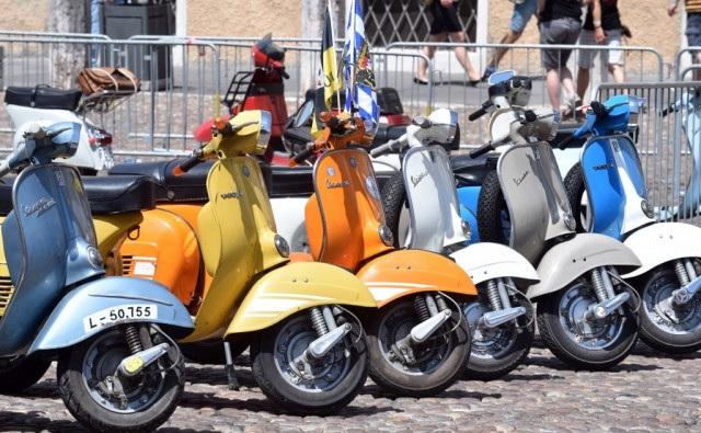 Xe Vespa cổ bị cấm lưu hành trên chính quê hương Italia - 2