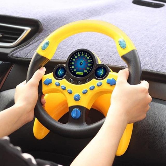 Vì sao không nên lắp vô-lăng đồ chơi bên ghế phụ cho trẻ nhỏ lái chơi? - 2