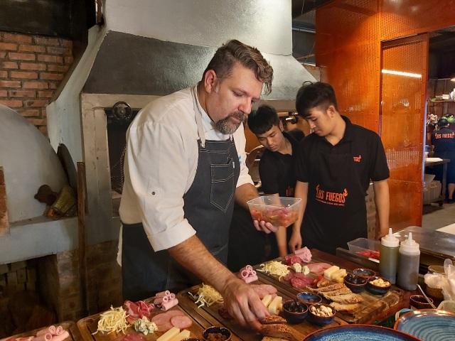 Thưởng thức đặc sản Argentina trong lễ hội ẩm thực độc đáo tại Hà Nội - 1