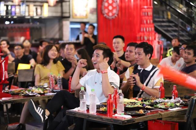 """""""Vua bia"""" thượng hạng Budweiser trao tấm vé đầu tiên đưa fan Việt đến Anh gặp vua ngoại hạng - 5"""