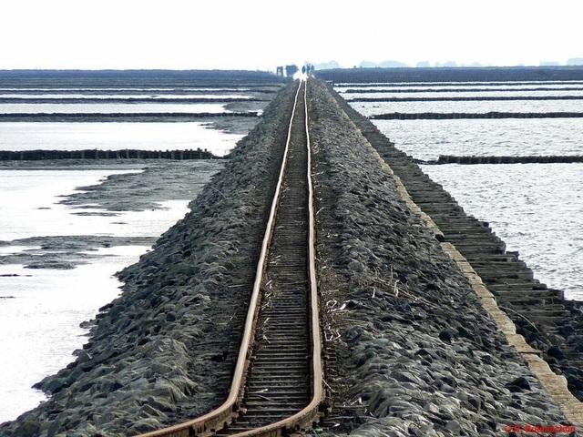 Công trình trên biển vĩ đại: Chuyến tàu hỏa chạy giữa biển khơi - 1