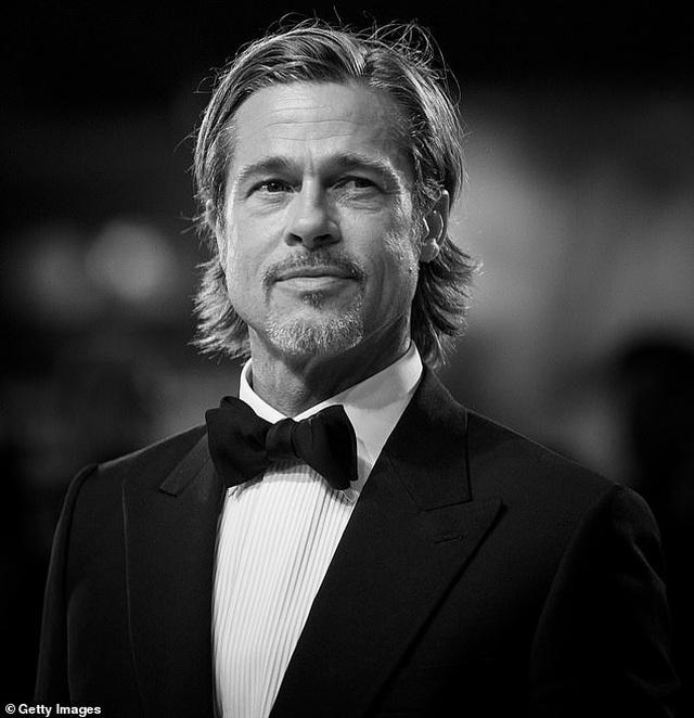 """Brad Pitt thừa nhận trải qua """"đau đớn, nuối tiếc, mất mát"""" sau khi chia tay Angelina Jolie - 1"""