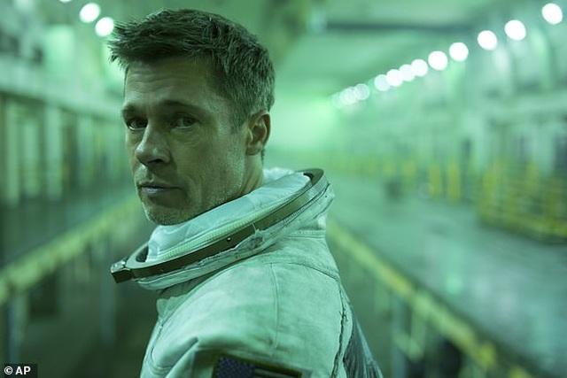"""Brad Pitt thừa nhận trải qua """"đau đớn, nuối tiếc, mất mát"""" sau khi chia tay Angelina Jolie - 2"""