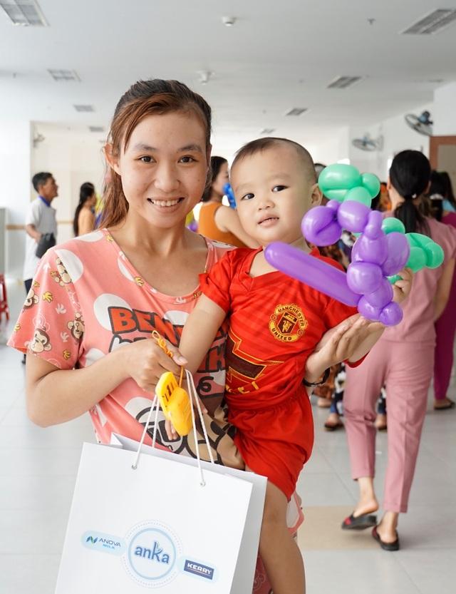 Anka Milk mang Tết Trung thu đến với 5.000 bệnh nhi - 3