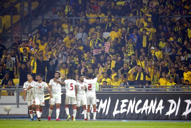 Malaysia 1-2 UAE: Cú đúp của Mabkhout - 1