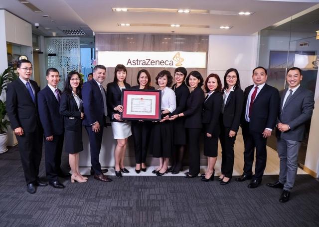 Bộ trưởng Bộ Y tế tặng bằng khen cho AstraZeneca Việt Nam - 2