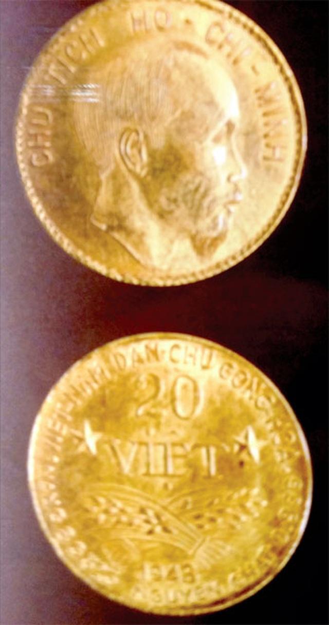 Trao tặng 9 đồng tiền vàng phiên bản Đồng tiền vàng bản vị - 1