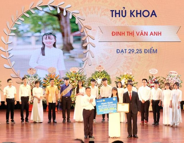 Tập đoàn Bảo Việt (BVH): Sát cánh cùng sinh viên ngành Tài chính - Bảo hiểm - 1