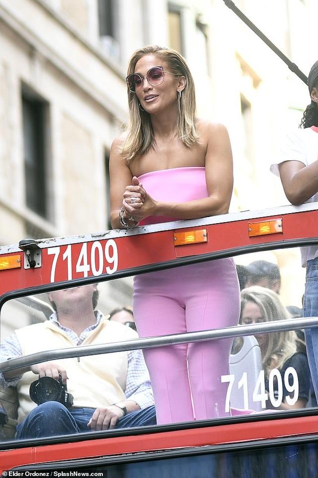 Jennifer Lopez được khen ngợi xuất sắc khi vào vai vũ nữ thoát y - 6