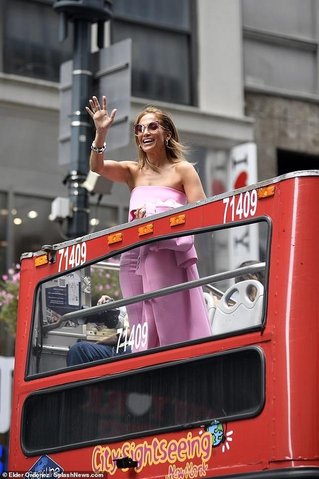 Jennifer Lopez được khen ngợi xuất sắc khi vào vai vũ nữ thoát y - 4