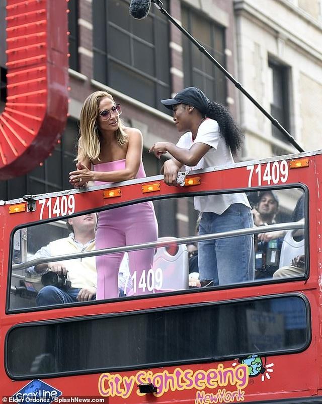 Jennifer Lopez được khen ngợi xuất sắc khi vào vai vũ nữ thoát y - 3