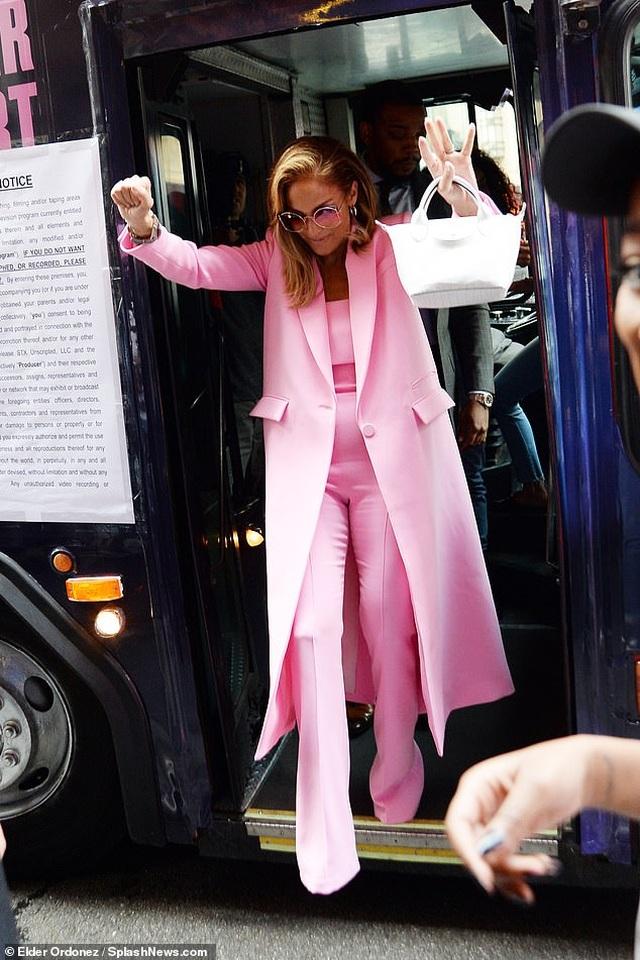 Jennifer Lopez được khen ngợi xuất sắc khi vào vai vũ nữ thoát y - 2