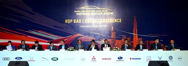 VinFast đột ngột tham gia triển lãm Vietnam Motor Show 2019 vào phút cuối - 1