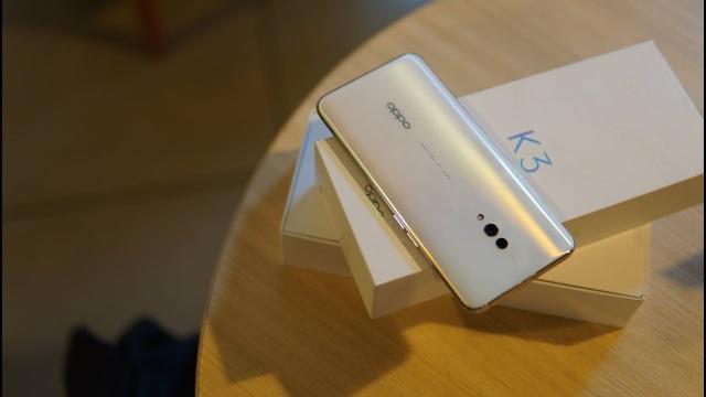 Loạt smartphone giảm giá đáng chú ý tháng 9 - 3