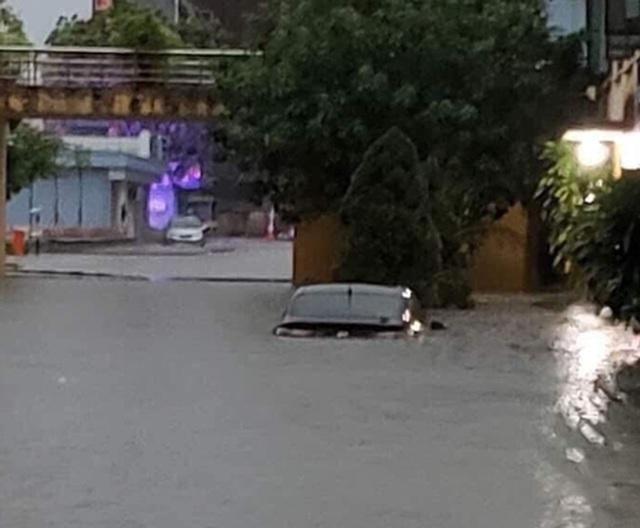 3 người chết, 43 ô tô hư hỏng trong mưa lũ ở Thái Nguyên - 2